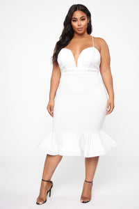 Cristelle Mermaid Midi Dress - Ivory Angle 5
