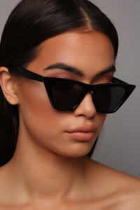 Sharp Attitude Sunglasses - Black