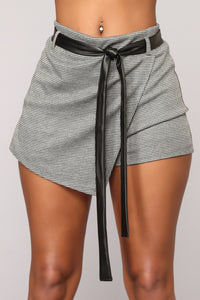 The One You Need Skort - Black/White