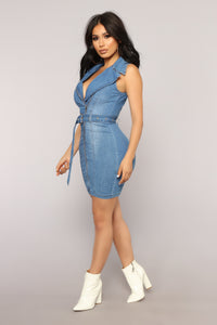 No Pressure Denim Dress - Medium Wash