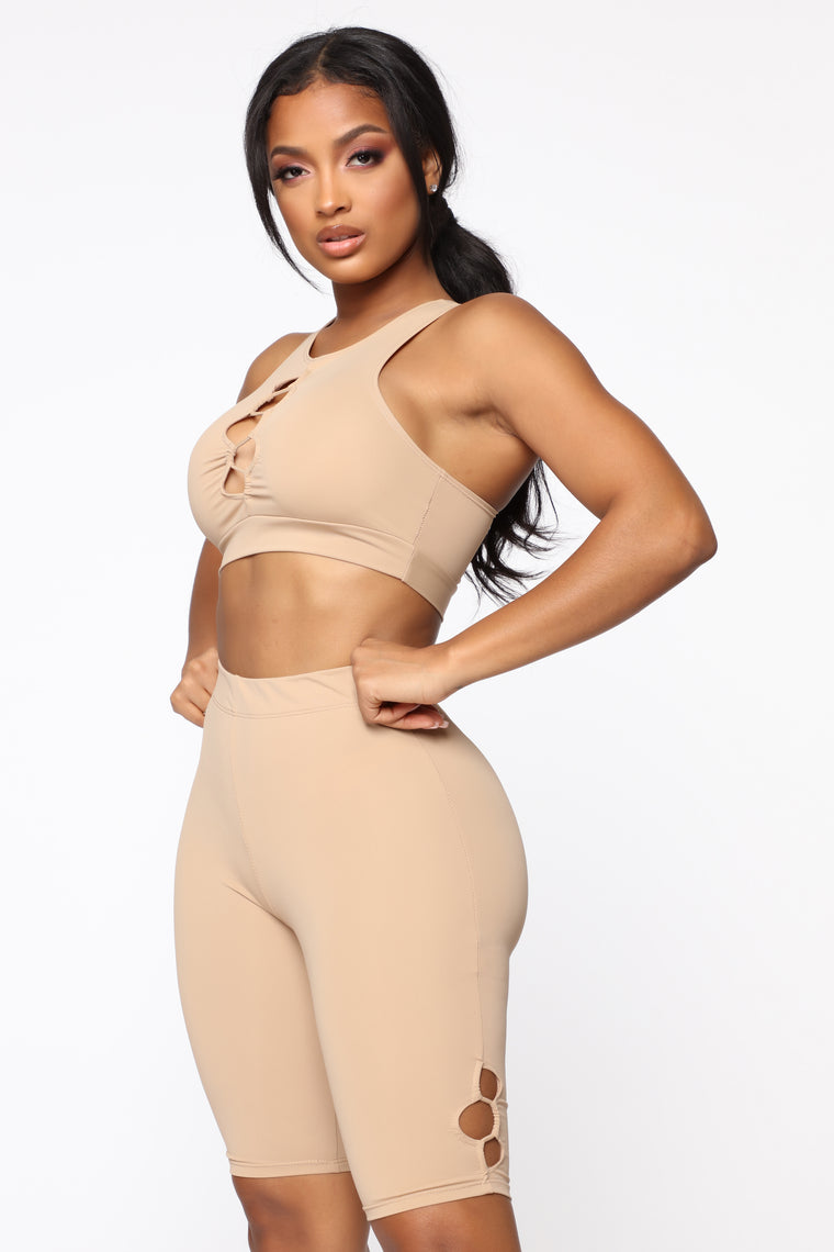 Dating Gym Crop Top - Beige