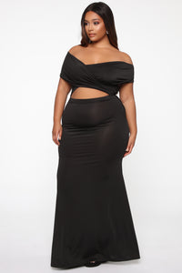 Cut For Elegance Off Shoulder Maxi Dress - Black