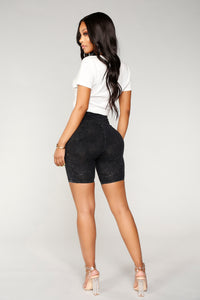 Bailey Biker Shorts - Black