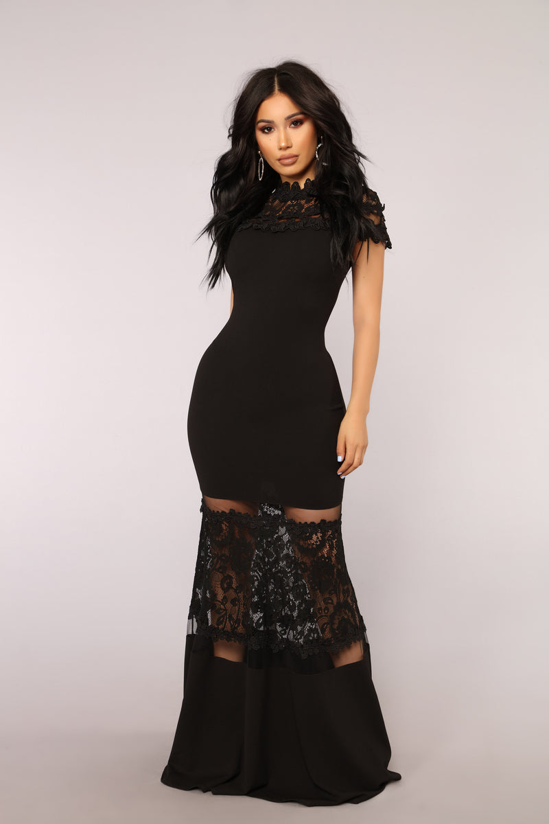In A Flirtationship Dress - Black