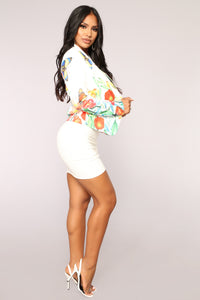 Butterfly Effect Blazer - White Angle 4