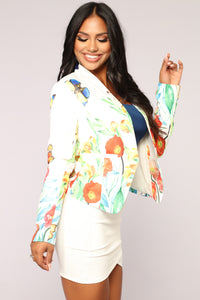Butterfly Effect Blazer - White Angle 3