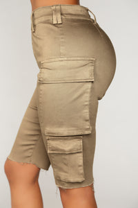 Independent Woman Cargo Shorts - Olive