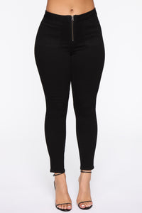 Can Be Anything Zip Skinny Jeans - Black