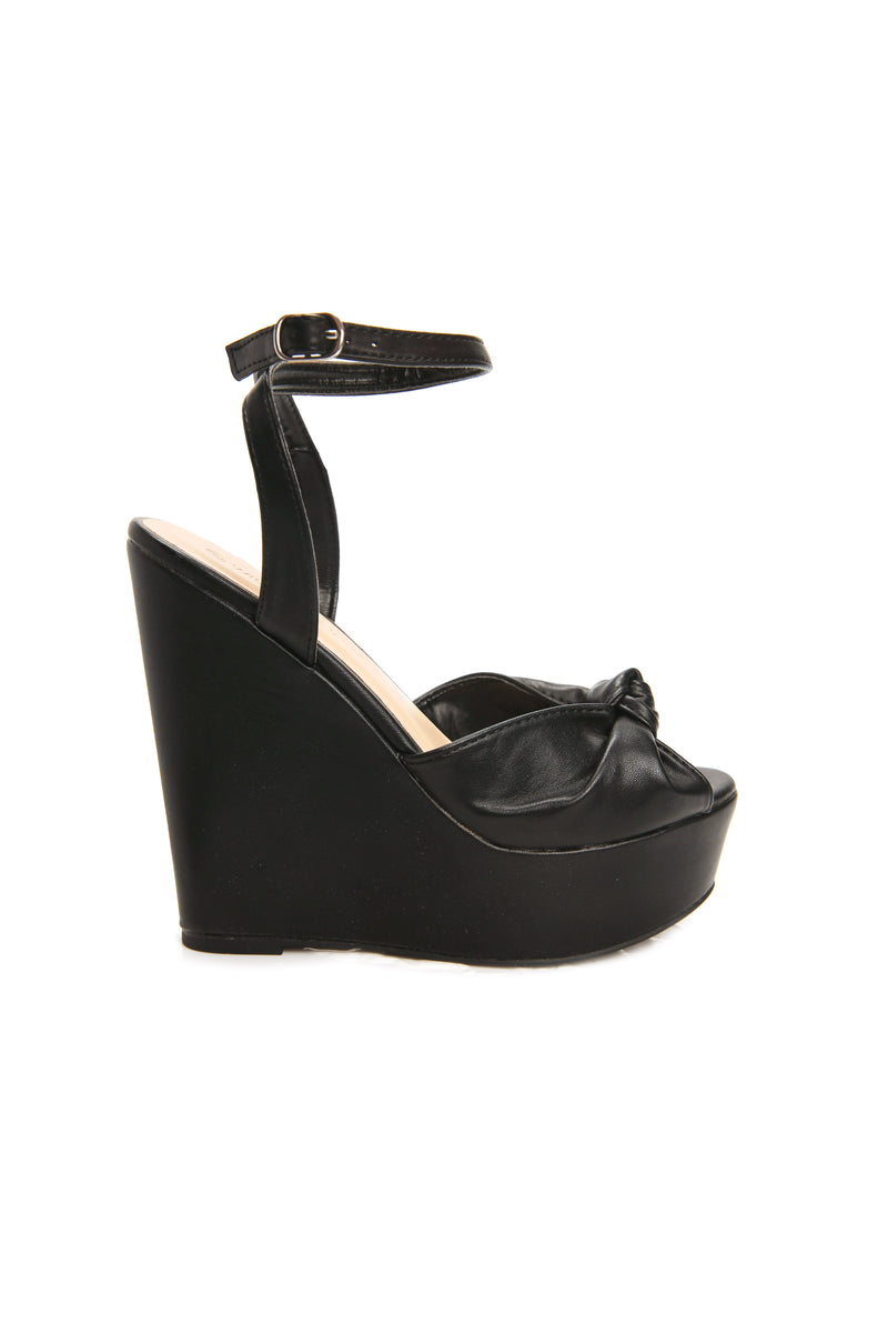 Keep You Here Wedge - Black