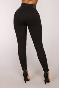 Let it Go High Rise Leggings - Black Angle 5