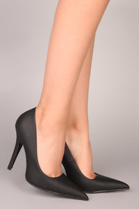 Give You What You Need Pumps - Black