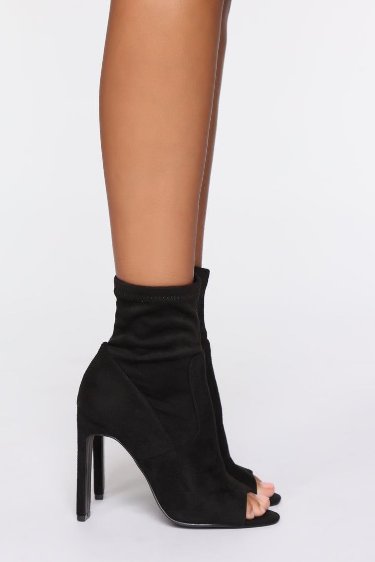 Can't Wait Booties - Black