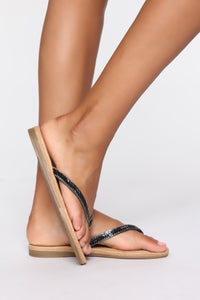 That's Not The Reason Flat Sandals - Black Angle 1