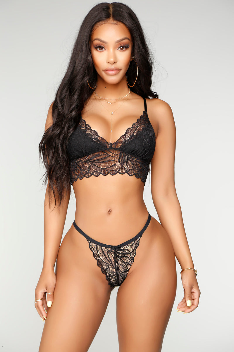 Baby Come Back Bralette and Panty Set - Black