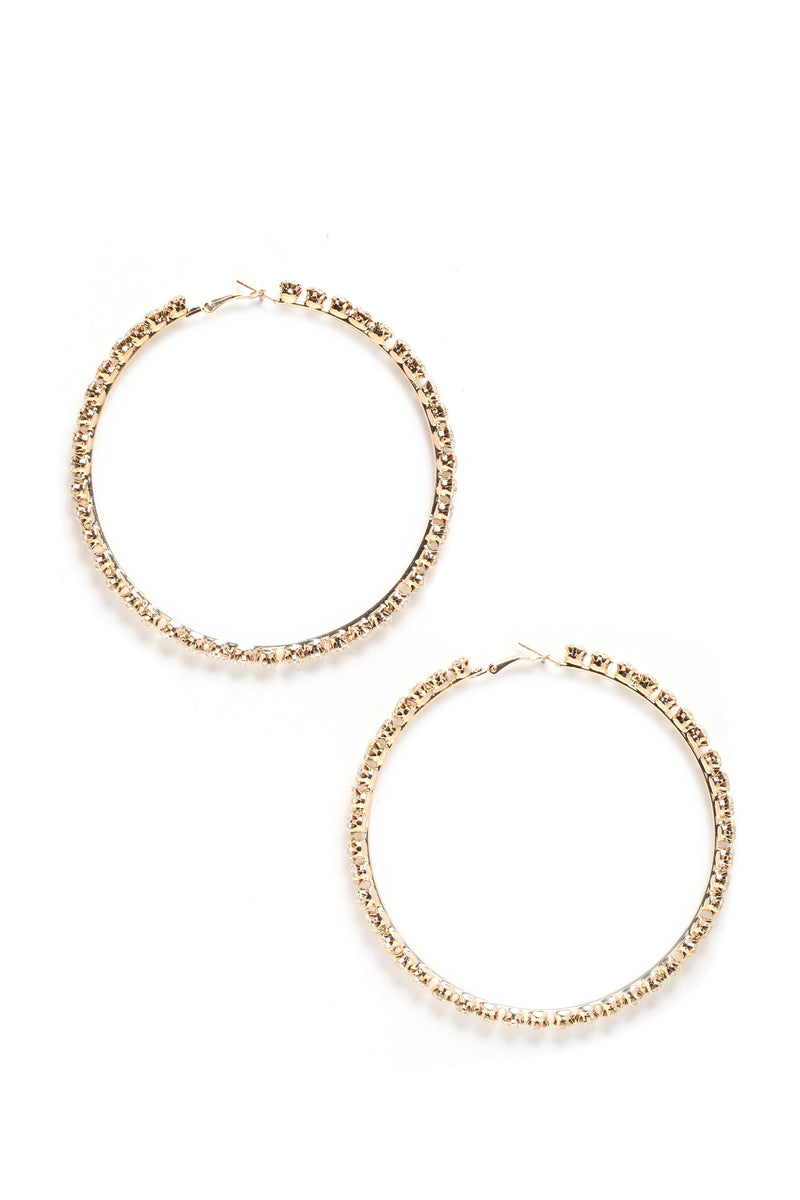 Looking Expensive Hoop Earrings - Gold