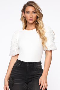 Victorious Puffed Floral Top - Off White Angle 1