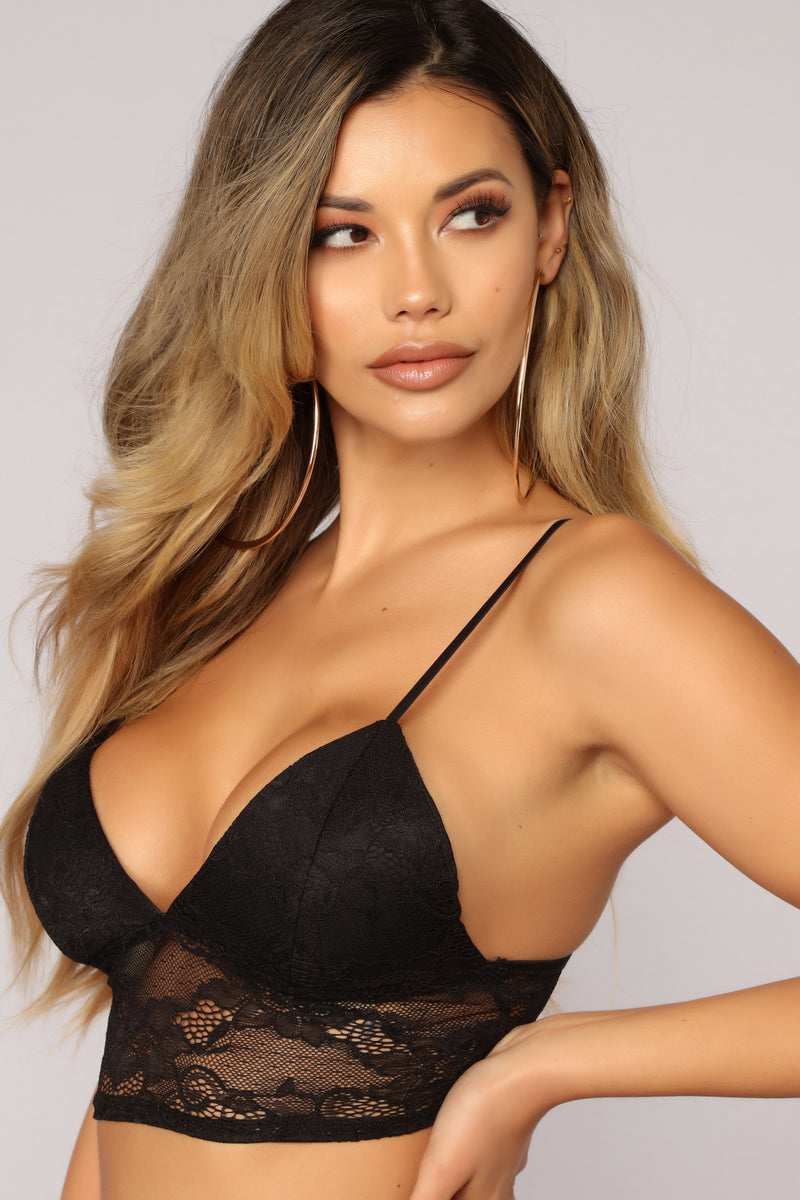 Its Just Us Lace Bralette - Black