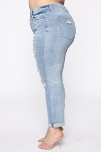 I Want It That Way II Mid Rise Jeans - Light Blue Wash Angle 4