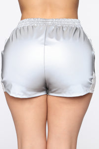 Reflect Back Short Set - White/Grey