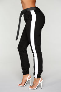 Jessa Belted Joggers - Black/White