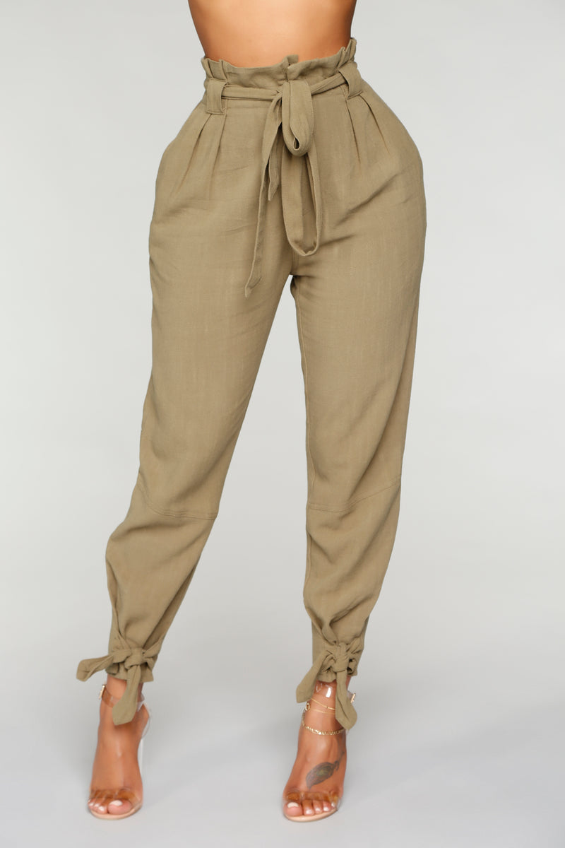 Moving Forward Linen Pants - Olive