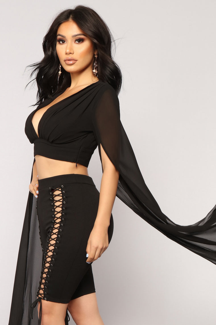 Sleeves For Days Top - Black
