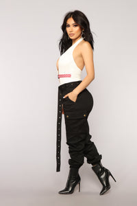 Cargo Chic Pants - Black Angle 3
