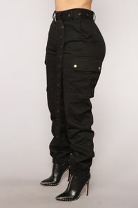 Cargo Chic Pants - Black Angle 4