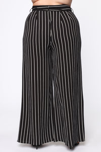 Kelly High Rise Woven Pants - Black/White
