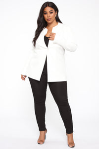 Keeping Me Busy Blazer - White
