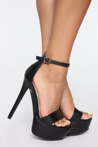 Look At Me Now Heeled Sandals - Black Angle 1