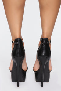 Look At Me Now Heeled Sandals - Black Angle 4