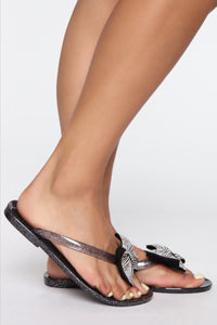 Oh You Cute Flat Sandals - Black Angle 2