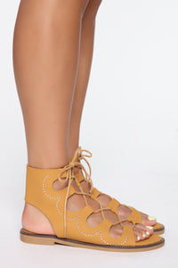 Saving You Flat Sandal - Cognac