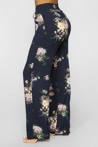 Everyday Floral Print Pants - Navy Multi