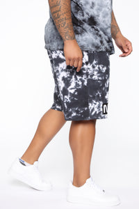Spaceman Tie Dye Short - Black/combo