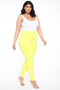 Eva Super Soft Curvy Skinny Jean - Yellow Angle 10