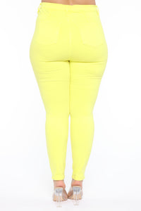 Eva Super Soft Curvy Skinny Jean - Yellow Angle 11