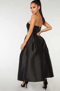 Rise To The Occasion Dress - Black
