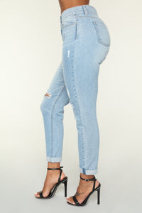 This Is The Life Ankle Jeans - Light Blue Wash