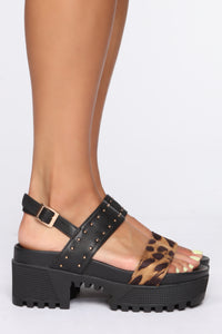 In It For Love Flat Sandals - Black