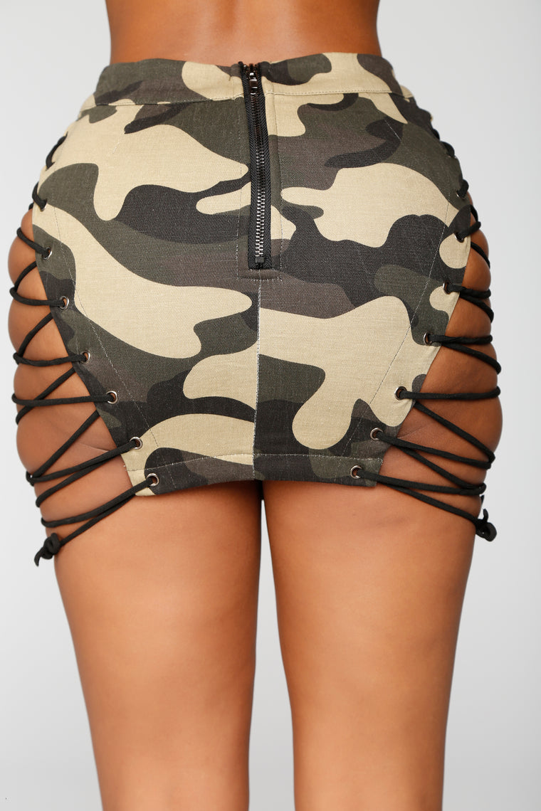 Hotter Than You Lace Up Camo Skirt - Olive