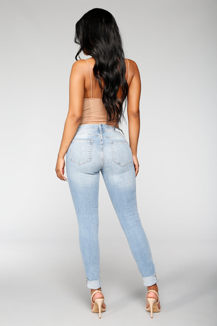 Hazel High Rise Distressed Jeans - Light Blue Wash