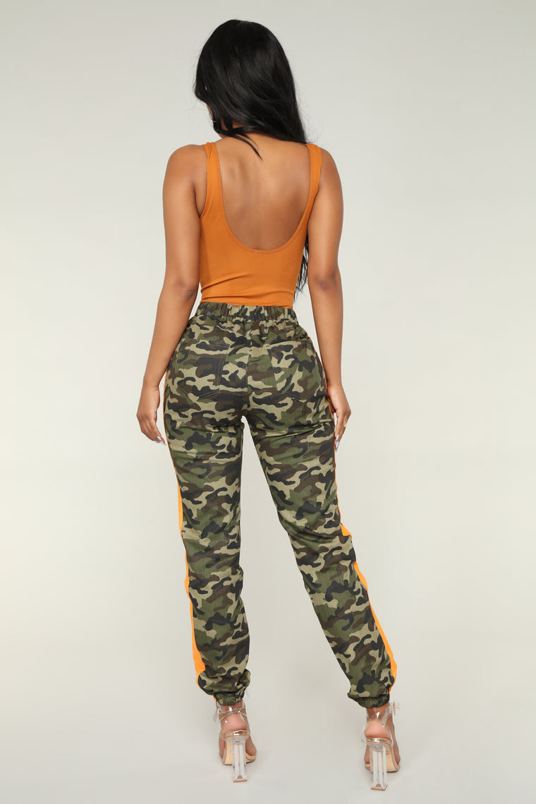 Averie Camo Joggers - Olive