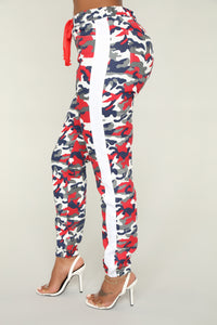 Averie Camo Joggers - Red