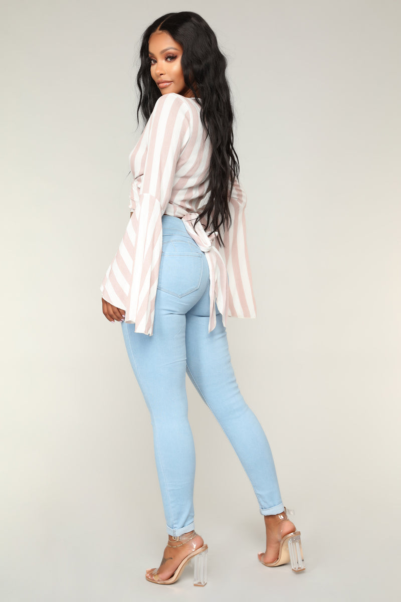 Detention Booty Lifting Jeans - Light Wash