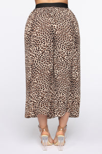 Pretty And Wild Pleated Pants - Tan/Multi