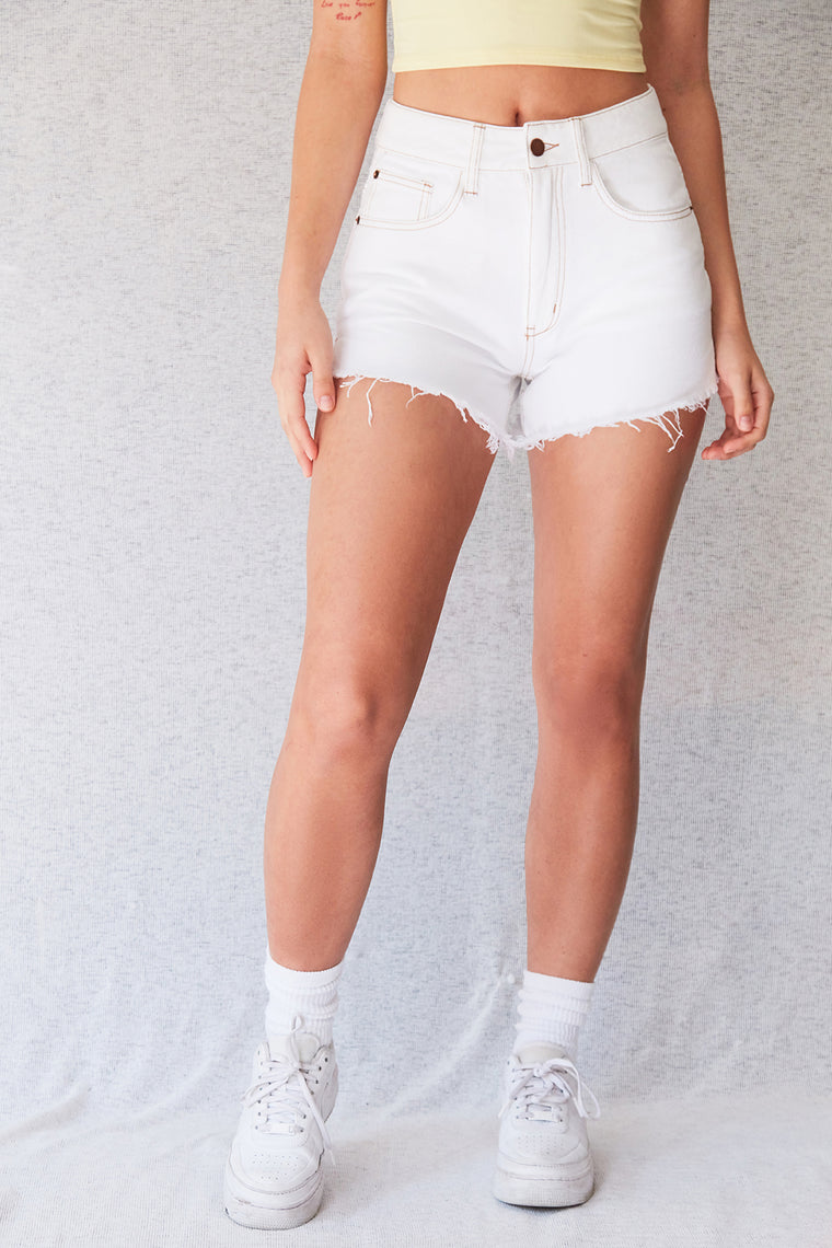 Lo High Rise Jean Short - Off White