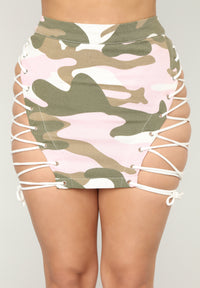 Hotter Than You Lace Up Camo Skirt - Pink/White