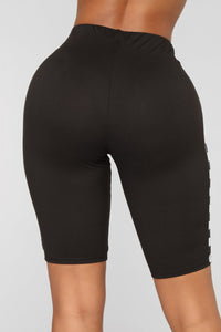 Nicolina Biker Short - Black
